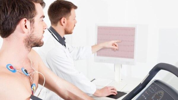 La autorización médica previa es indispensable para cualquier actividad deportiva (iStock)