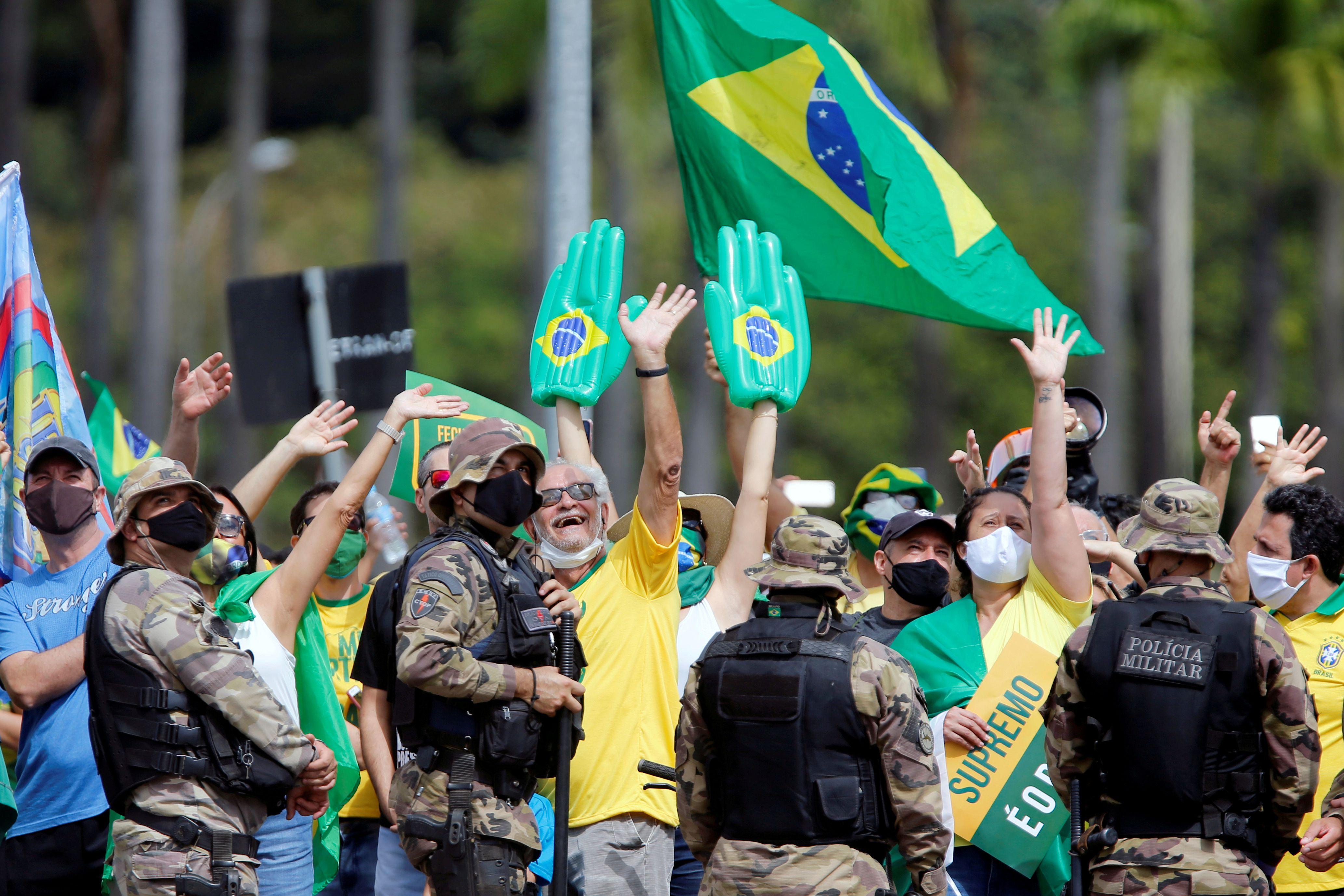 Seguidores de Bolsonaro en Brasilia (REUTERS/Adriano Machado)