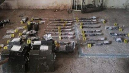 Detienen a dos personas y aseguran armamento en Jalisco VZ3O4TJI5NA5HAXT2V3JFG4PGM