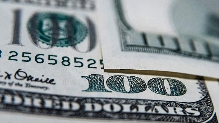 El ascenso del dólar ya le saca más de 20 puntos de ventaja a la inflación. (Adrián Escandar)