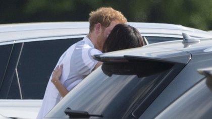 """Las fotos """"robadas""""que meses más tarde confirmaron el romance"""