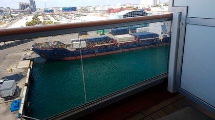 imagen desde el balcón del crucero antes de ir del puerto de Miami