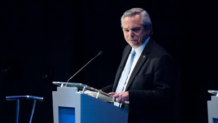 Alberto Fernández durante el primer debate presidencial. (Adrián Escandar)