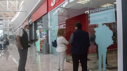 Los bancos cerrarán incluso en supermercados. (Foto: Cuartoscuro)