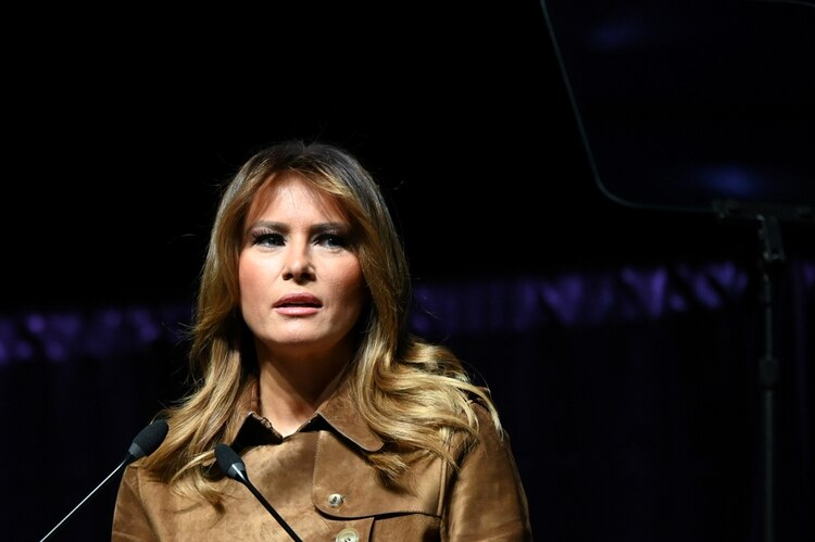 Melania Trump habla ante un grupo de jóvenes en el UMBC Event Center de Baltimore (REUTERS/Erin Scott)