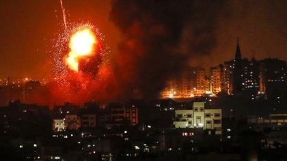 Israel bombardeó dos puestos militares de Hamas (AFP)