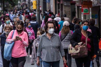 De acuerdo con la Secretaría de Salud, hasta este lunes 13 de julio se han registrado 304,435 contagios positivos y 35,491 fallecimientos por COVID-19 (Foto: Europa Press)