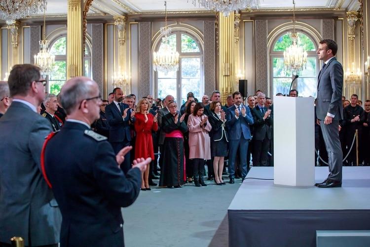 Emmanuel Macron (Christophe Petit Tesson/Pool via REUTERS)