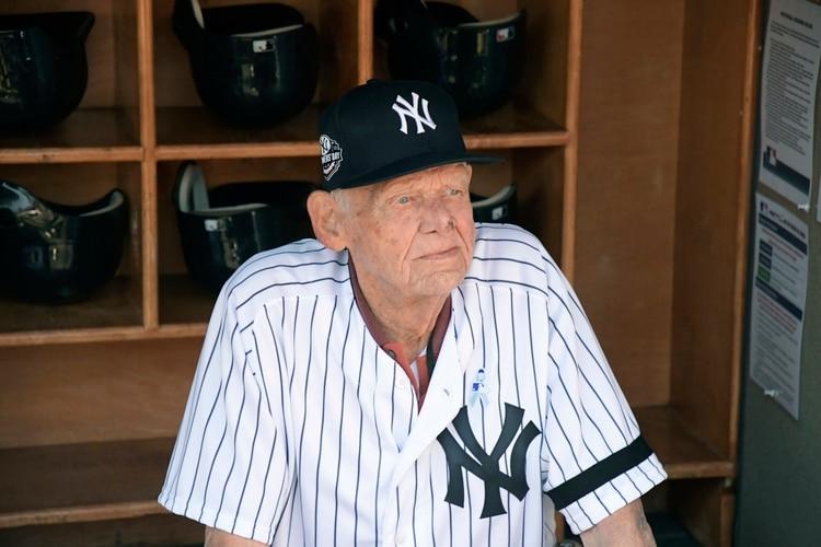 Don Larsen falleción a los 90 años (AP Photo/Bill Kostroun, File)