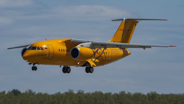 Un Antonov An-148
