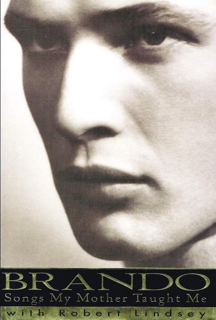 Brando accedió a contar su historia en 1994