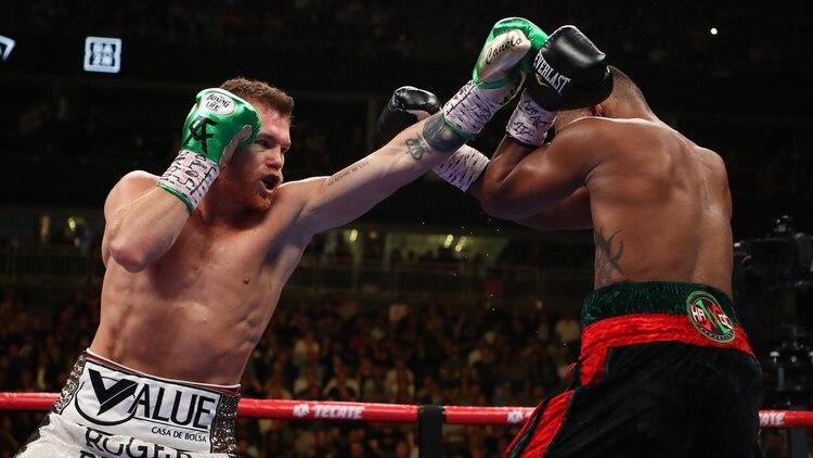 En su pelea contra Jacobs, el mexicano sumó la 52ª victoria de su carrera (Foto: AFP)