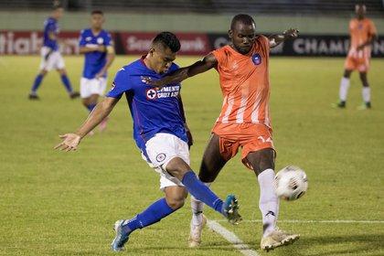 La Concacaf apoyará al equipo caribeño para que pueda cumplir con su compromiso en la Liga de Campeones de la Concacaf (Foto: EFE/Orlando Barría)