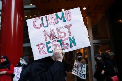 """""""Cuomo debe renunciar"""", reclama una protesta en Manhattan (Reuters)"""