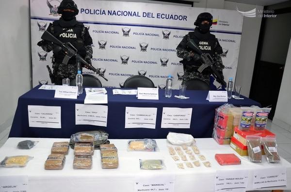 Operativo antinarcótico de la policía ecuatoriana