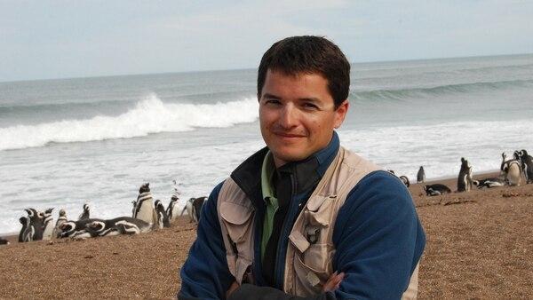 García Borboroglu es investigador de CESIMAR/CCT Cenpat CONICET y fundador y presidente de la Global Penguin Society