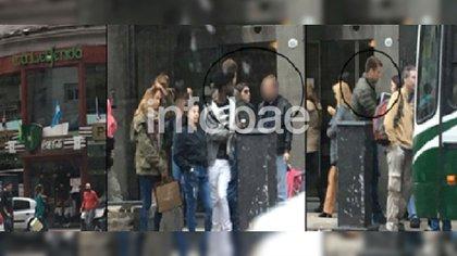 """El """"señor K"""", de campera negra, e Iván Blizniouk en el centro porteño. Imagen de inteligencia de Gendarmería"""