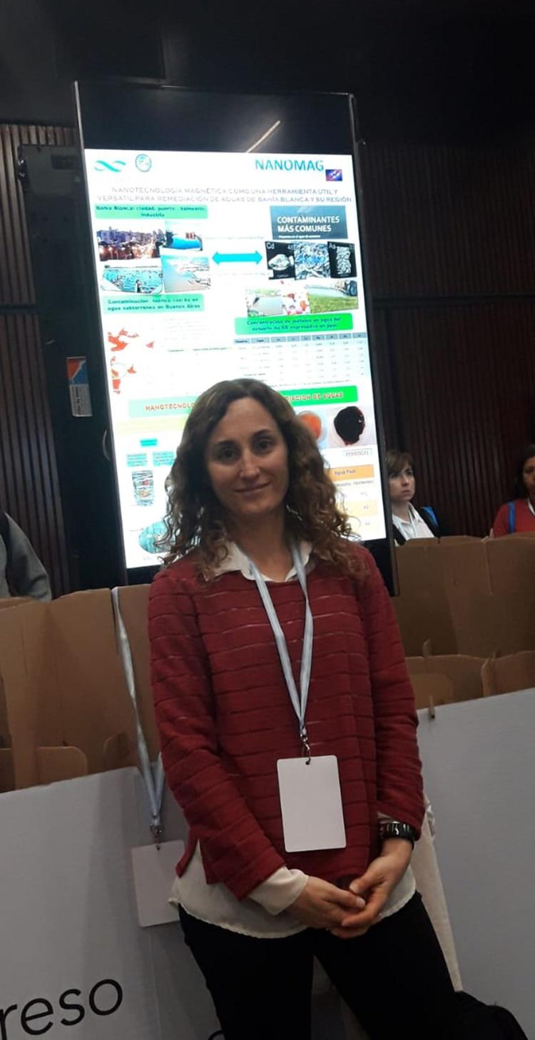 La licenciada en química Verónica Lasalle, de la UNS