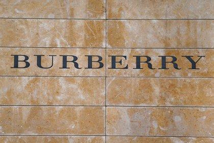 Logo Burberry. REUTERS/Carlo Allegri/File Photo