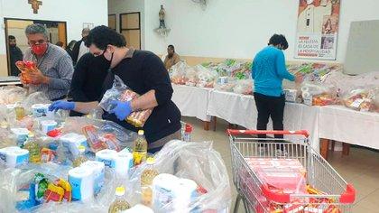 Fueron conseguidos a través de donaciones, en kits que fueron entregados a 300 familias