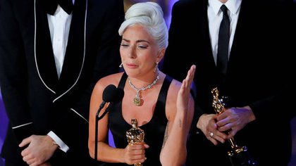 """""""Shallow"""" ganó a Mejor Canción en los Oscar (REUTERS/Mike Blake TPX IMAGES OF THE DAY)"""