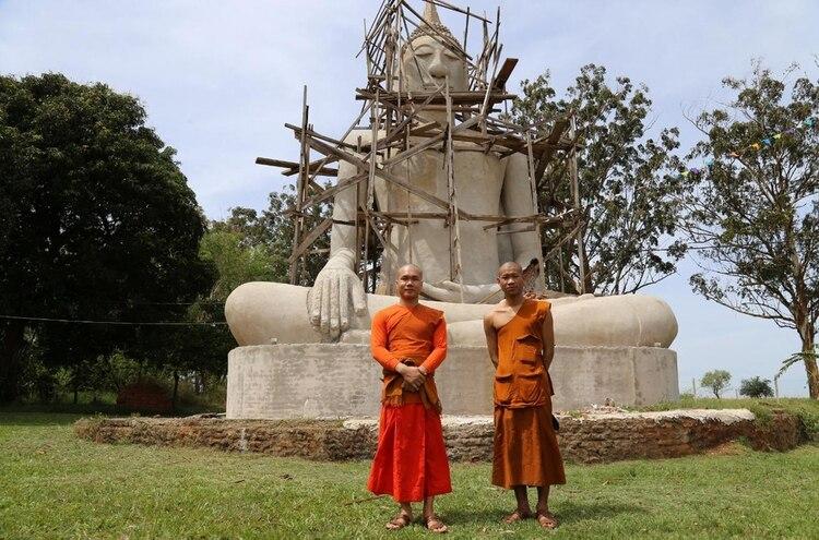 En la ciudad de Posadas, Misiones, se establece la comunidad más nutrida de laosianos. Cuando eligieron un lugar para vivir en comunidad, les convencieron las condiciones climáticas del noreste argentino