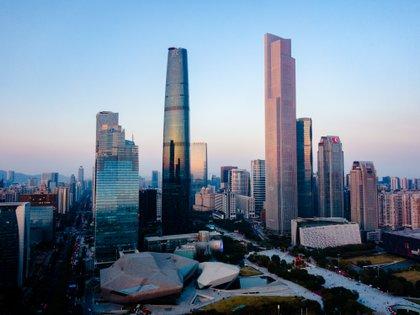 La torre alberga 208 720 m2 de oficinas, 74 260 m2 de apartamentos, y 45 924 m2 del programa de hoteles (Shutterstock)