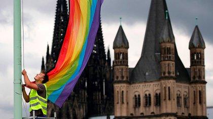 Alemania: sacerdotes católicos desafían al papa Francisco con una masiva ceremonia de bendición de parejas del mismo sexo
