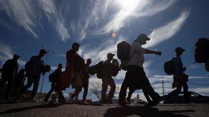 Hay cuatro investigaciones en curso que involucran a funcionarios Instituto Nacional de Migración en casos de trata de persona (Foto: EFE)