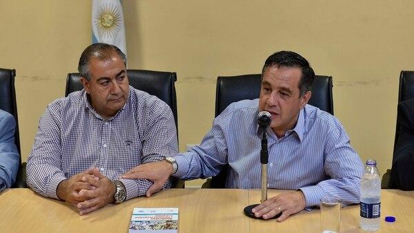 El líder de la CGT, Héctor Daer, y el ministro de Educación, Alejandro Finocchiaro