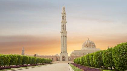 De lo que se jacta Omán, con su rica herencia y sociedad que lo abarca, es un fuerte sentido de identidad, un orgullo en un antiguo pasado de comercio de incienso y confianza en un futuro altamente educado