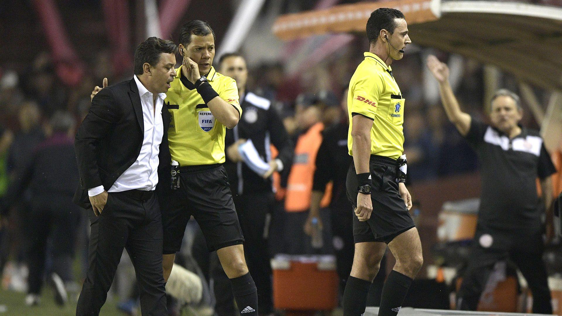 La Conmebol definió cómo elegirá los árbitros de la Copa Libertadores (Foto: AFP)