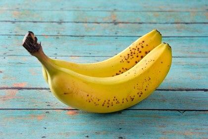 Las frutas proporcionan fibra y agua orgánica (Getty)