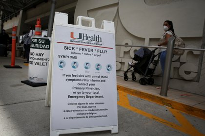 Warnings and recommendations at Jackson Memorial Hospital in Miami-Dade (Reuters)