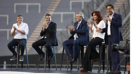 La única y última vez que Máximo Kirchner compartió escenario con Cristina Kirchner fue el día en que ganaron la elección en octubre del año pasado