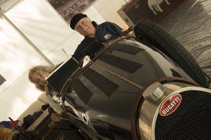 Una impactante réplica de una Bugatti Type 35 Grand Prix. Se fabrica en Paraná.