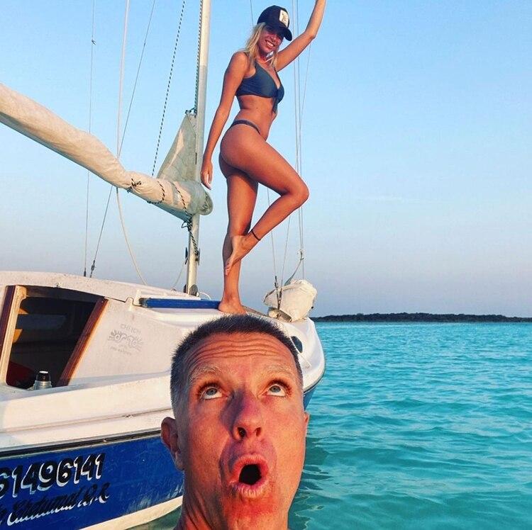 La pareja navegó en Laguna de los 7 Colores, en Bacalar (Instagram)