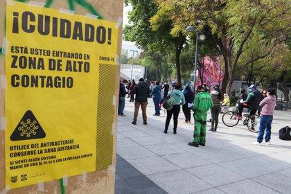 México superó las 142,000 muertes este martes con una cifra récord para un periodo de 24 horas (Foto: José Pazos/ EFE)