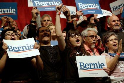 Simpatizantes de Bernie Sanders. REUTERS/Jose Luis Gonzalez