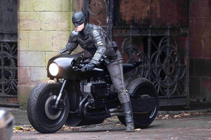 Robert Pattinson en la piel de Batman, película que ya empezó a filmar (Foto: Instagram)