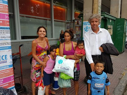 La familia de Magalí Duarte logró salir de la indigencia gracias a una red solidaria y a la ayuda de Alejandro