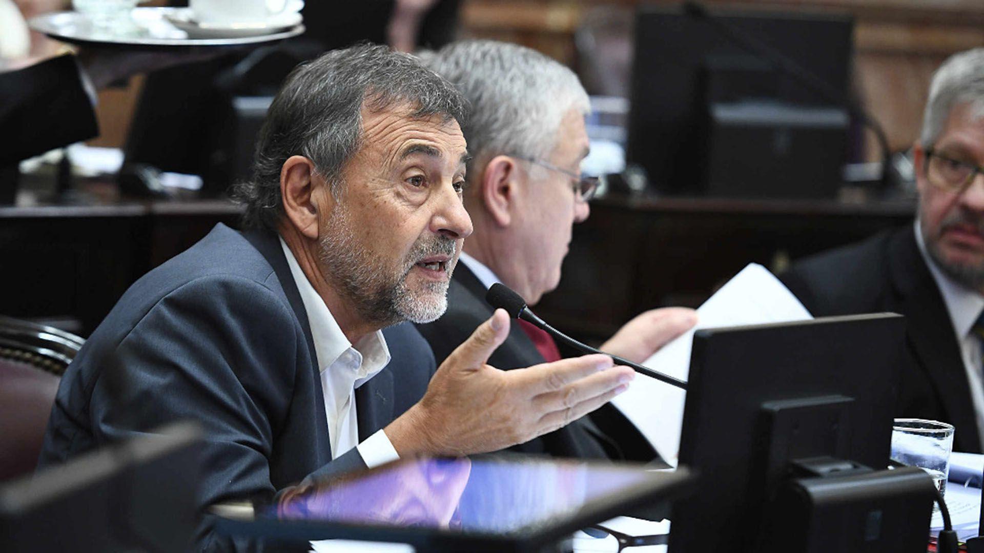 El cordobés Carlos Caserio, presidente del bloque justicialista del Senado