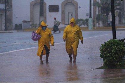 La tormenta tropical Eta interactuará con el Frente Frío 11 y generará lluvias en el sureste y sur del país (Foto: EFE/ Cuauhtémoc Moreno)