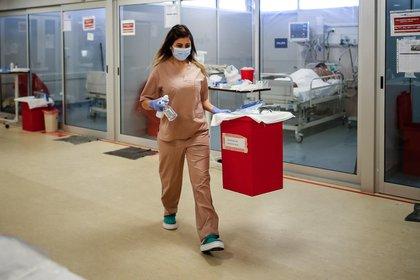 El AMBA registra un amesetamiento del número de casos y fallecidos, mientras que se observa un crecimiento explosivo en el interior del país (EFE/Juan Ignacio Roncoroni/Archivo)