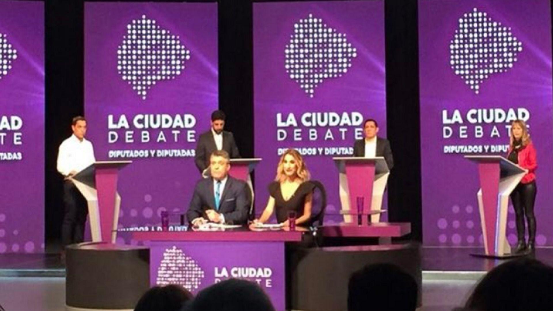 El debate entre los candidatos a legisladores se realizó este lunes