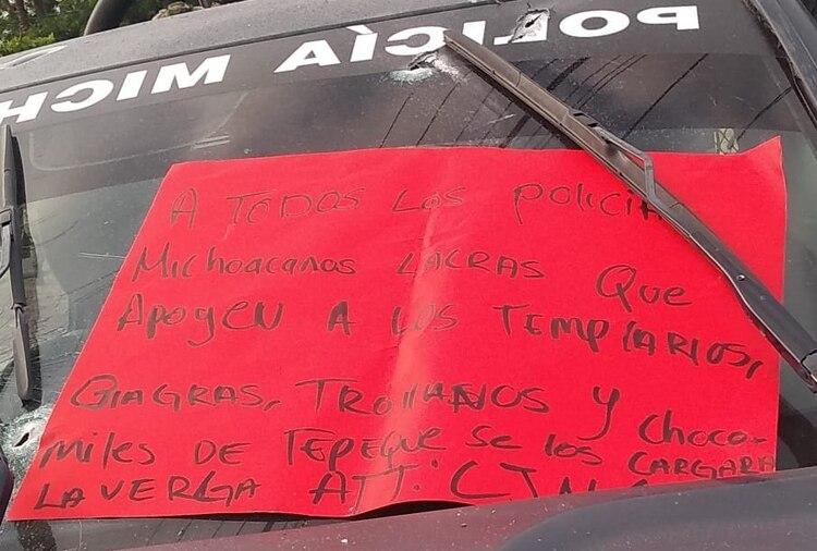 El narcomensaje que dejaron integrantes del CJNG luego de la emboscada a los policías (Foto: Especial)