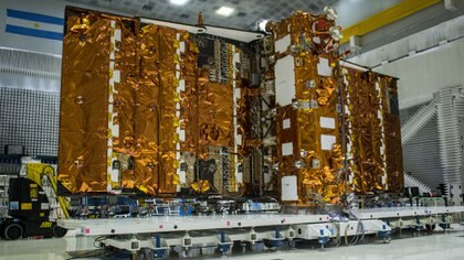 El monumental satélite Saocom 1B, de 1,5 toneladas de peso y 10 metros de largo (COANE)