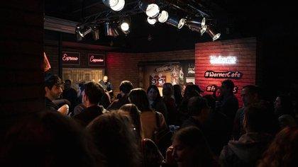 """El Warner Café se convirtió en un bar temático para homenajear los 25 años del estreno de """"Friends"""""""