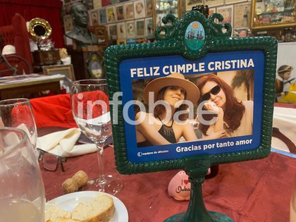El recuerdo del viaje de la Vicepresidenta a Cuba para visitar a su hija, Florencia Kirchner