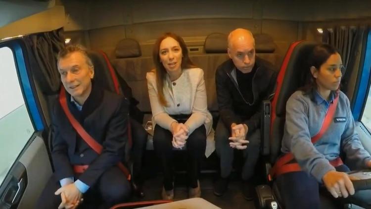 Macri, Vidal y Larreta llegaron al acto a bordo de un camión que transitó por el Paseo del Bajo